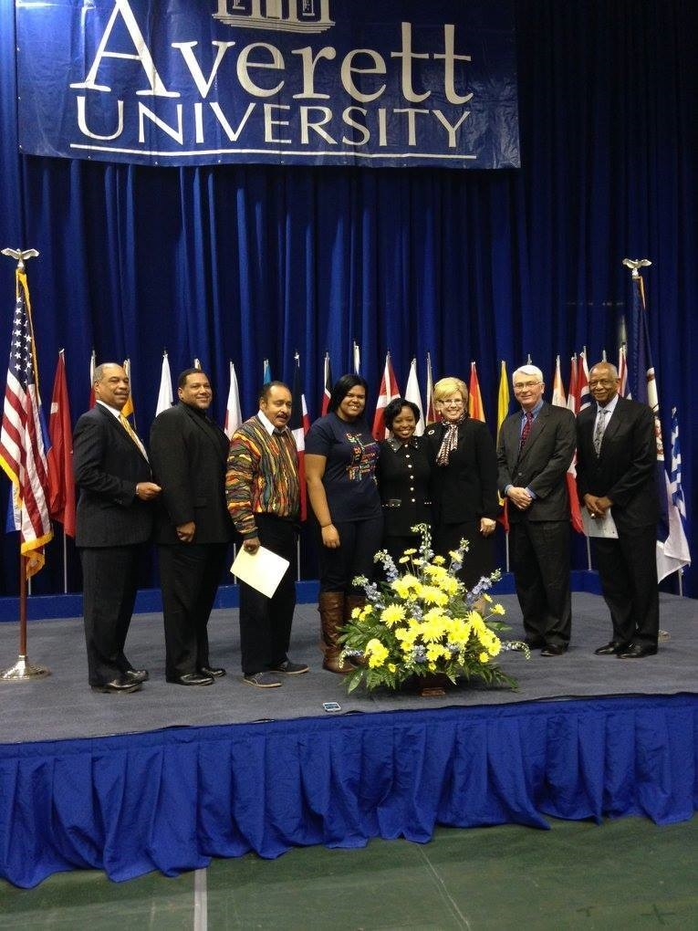 Dr. Shirley Davis posing for a group picture at Averett University